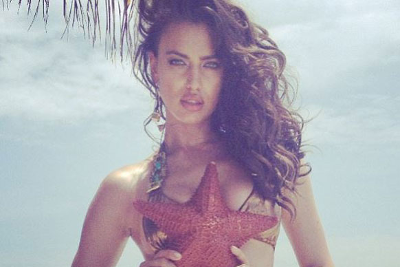 Irina Shayk smoulders in gold in this sultry Insta-snap... what do you expect?