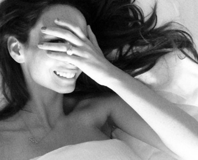 Ricki Lee plays peek-a-boo while also showing off her ma-hoo-sive finger bling. #multitasking