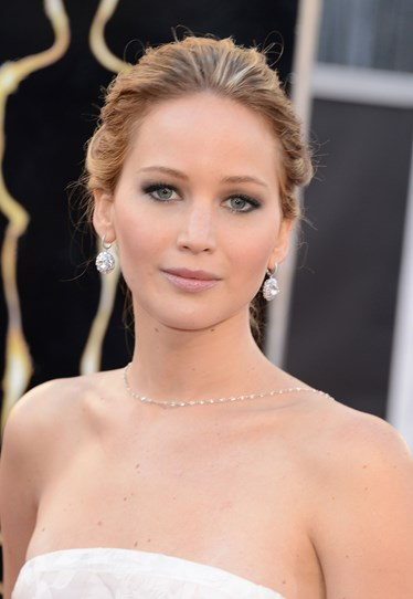 She was the talk of the 2013 Oscars for many reasons – winning best actress, falling over, ranting about McDonalds and flipping the bird at the paps, to name a few. But can we also please remember that she looked like THIS? Her stunning soft makeup and loosely pinned back hair was worthy of an award in itself.