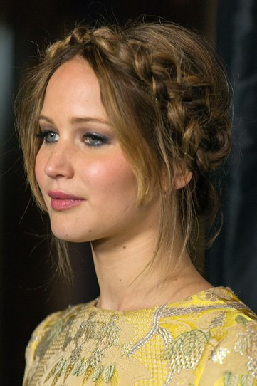 The rosy cheeks, the bedhead vibe and the pretty braid – we're obsessed with this look.