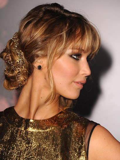 We're calling it – this is the prettiest hairstyle EVER. Now, where can we buy some gold hair jewellery?