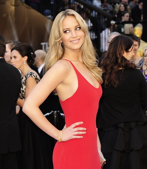 She may have been a total newcomer back in 2011, but Jen made sure all eyes were on her on the Oscars red carpet with her blonde bombshell hair and sexy kohl-lined eyes.
