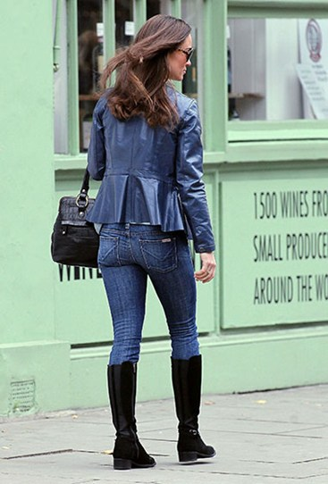 Looking quintessentially British in jeans, boots and a jacket, Pippa's derriere is in usual toned form in November 2012.